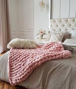 Pink Chunky Blanket healthylivingmom.com
